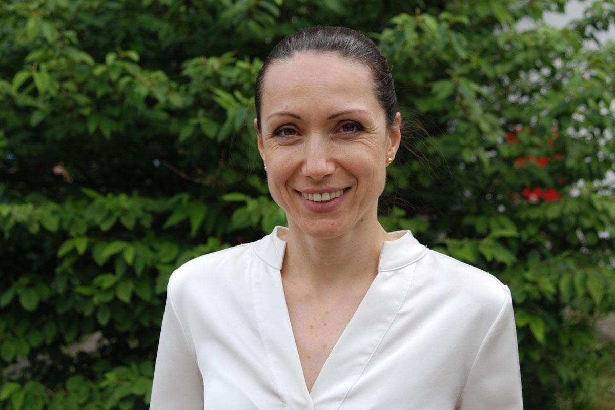 Йорданка Лазарова, учител и председатен на управителният съвет